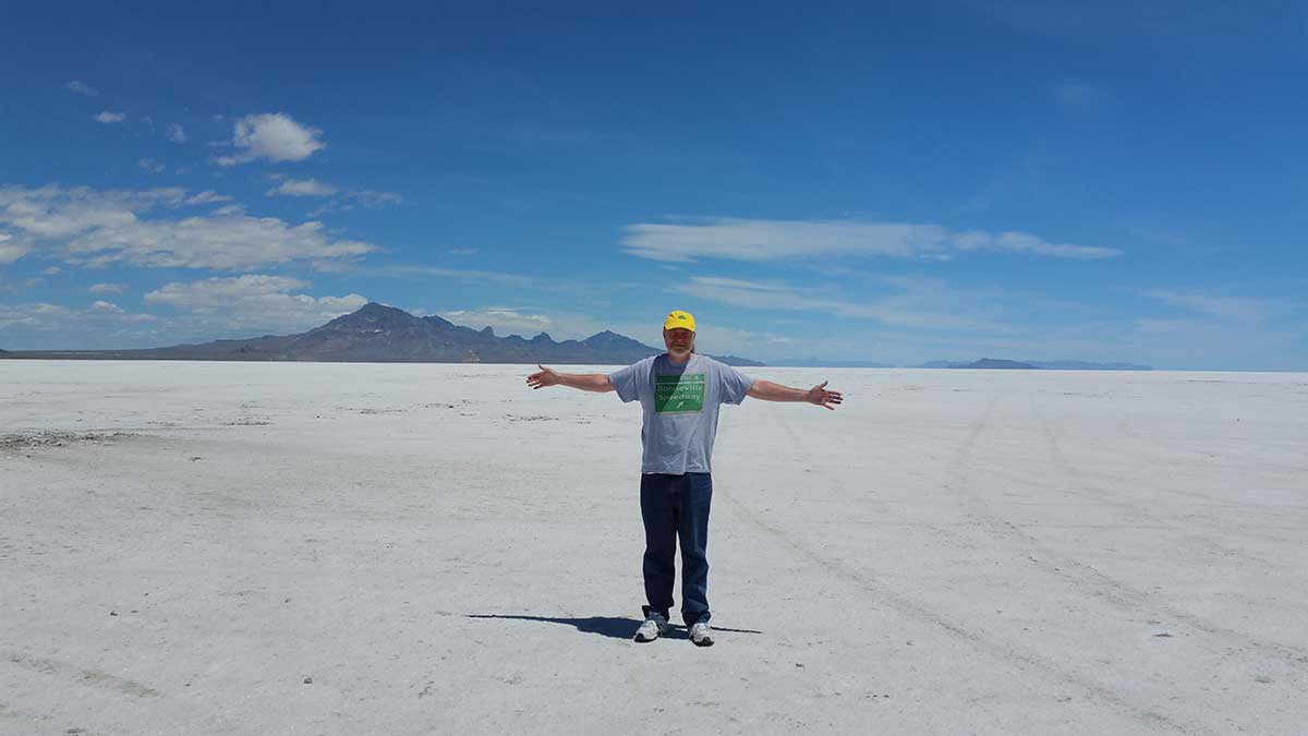 GERRY-AT-THE-BONNEVILLE-SALT-FLATS-06-17-(2)