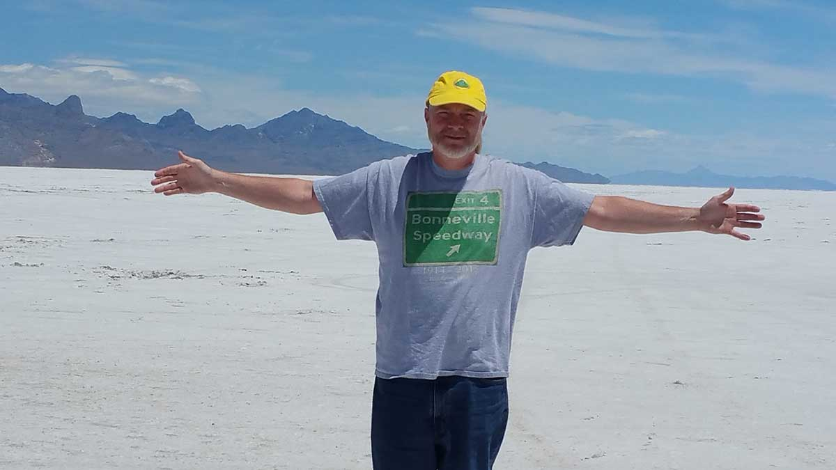 GERRY-AT-THE-BONNEVILLE-SALT-FLATS-06-17-(3)