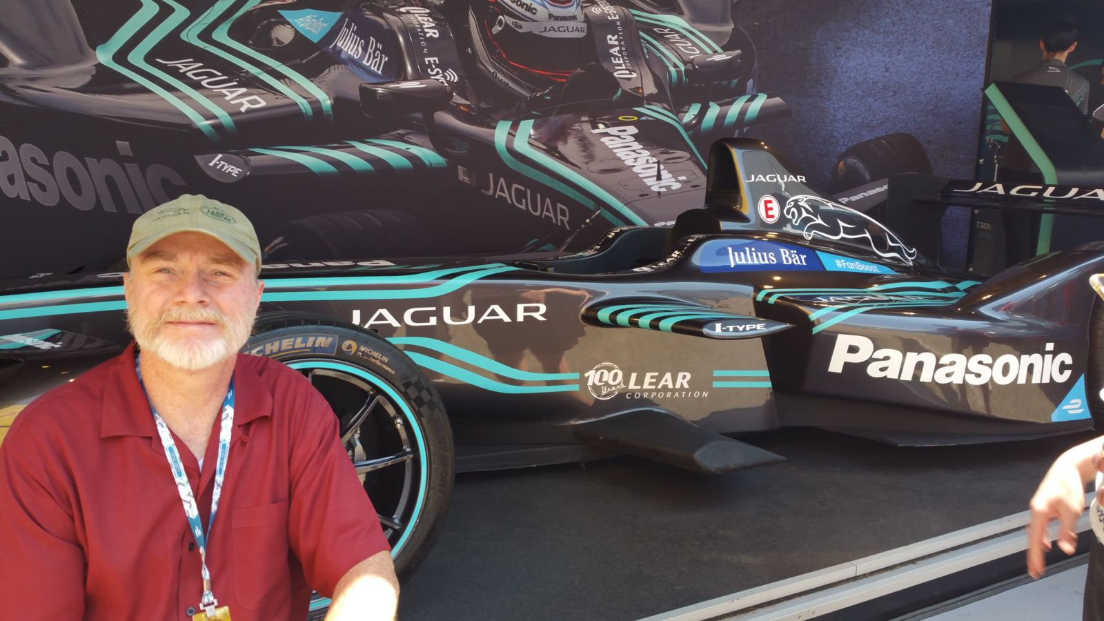 GERRY WITH JAGUAR FORMULA E CAR BROOKLYN NY 07-17 (2)